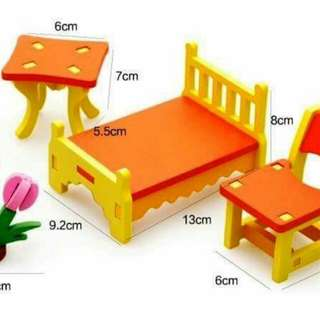 Dollhouse furniture (bedroom)