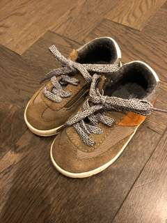 Toddle shoe