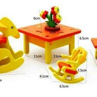 Dollhouse furniture (kiddie)