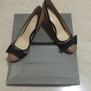Charles & Keith Nude High Heels with Ribbon 裸色蝴蝶結高跟鞋