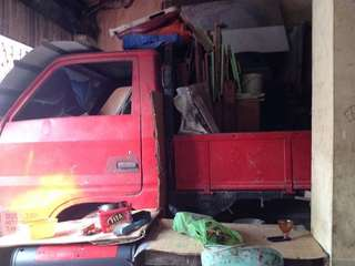 Selling this Isuzu truck..details is on the pict...tnx!
