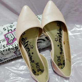 7.5 Blush pointed flats PAYLESS