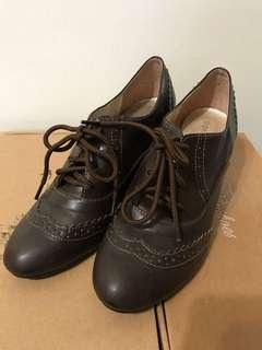 🚚 咖啡色 裸根鞋