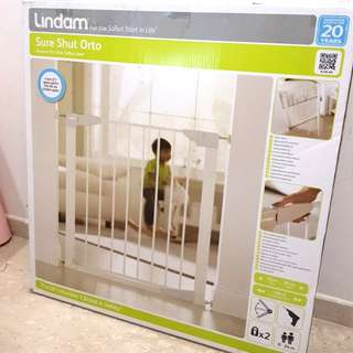 Lindam Child Safety Gate