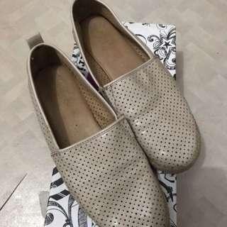 Sepatu Brash slip on