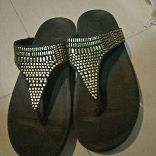 Sandal empuk blink