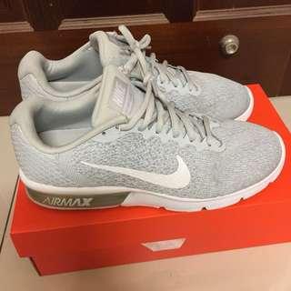 🚚 Nike air max sequent2