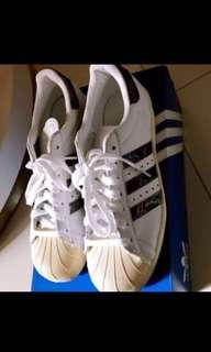 Adidas shoe size 40