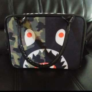 Tas bape travel