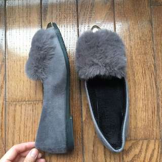 Flats with fur (size 7.5)