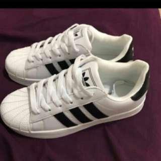 🚚 adidas板鞋