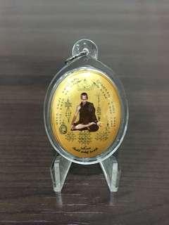 魔魔小舖 泰國佛牌:阿贊更薩(阿贊將薩) 佛曆2560年 自身法相牌(陶瓷大模版)