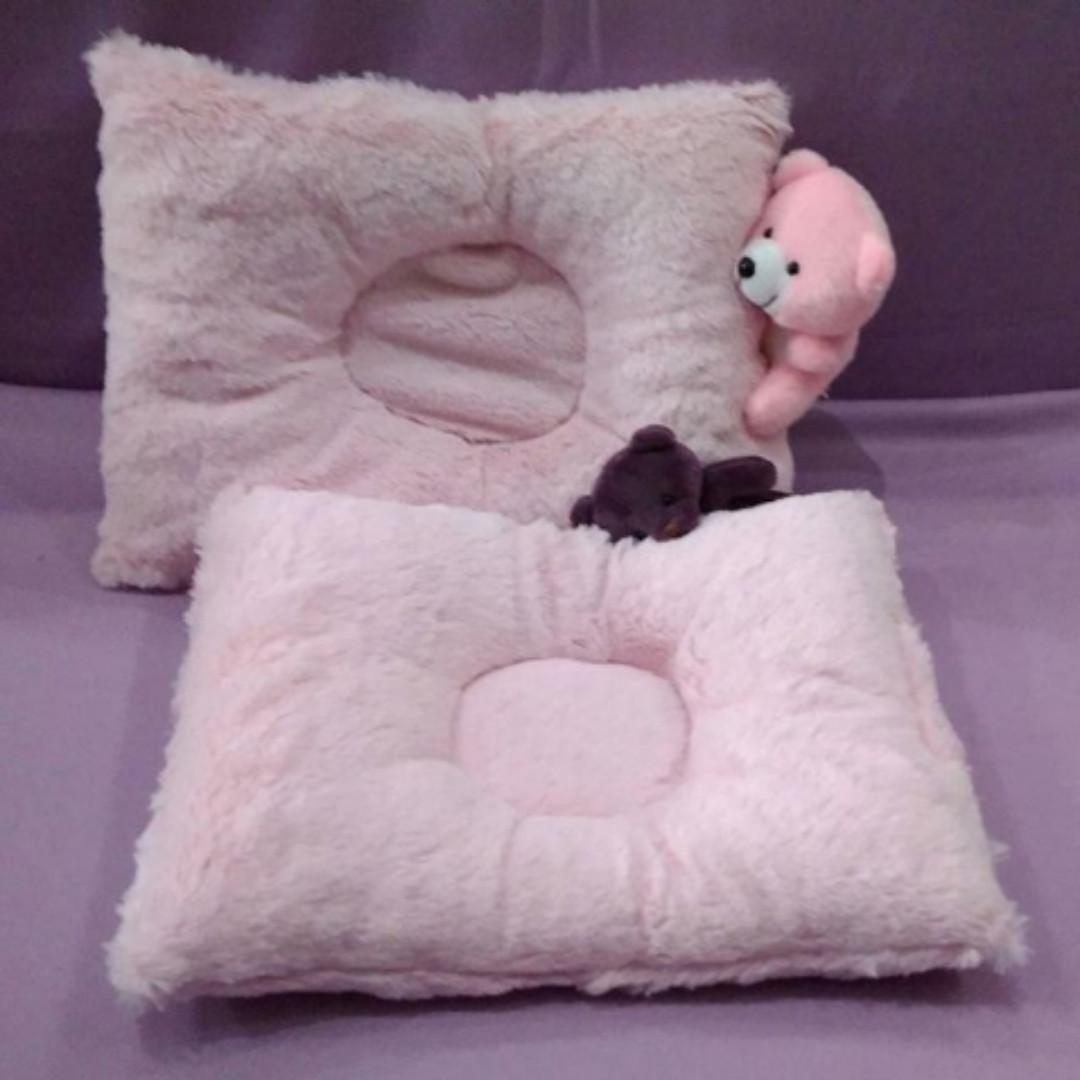 Bantal Bayi Peyang Motif Bulu Babies Kids Others On Carousell Newborn