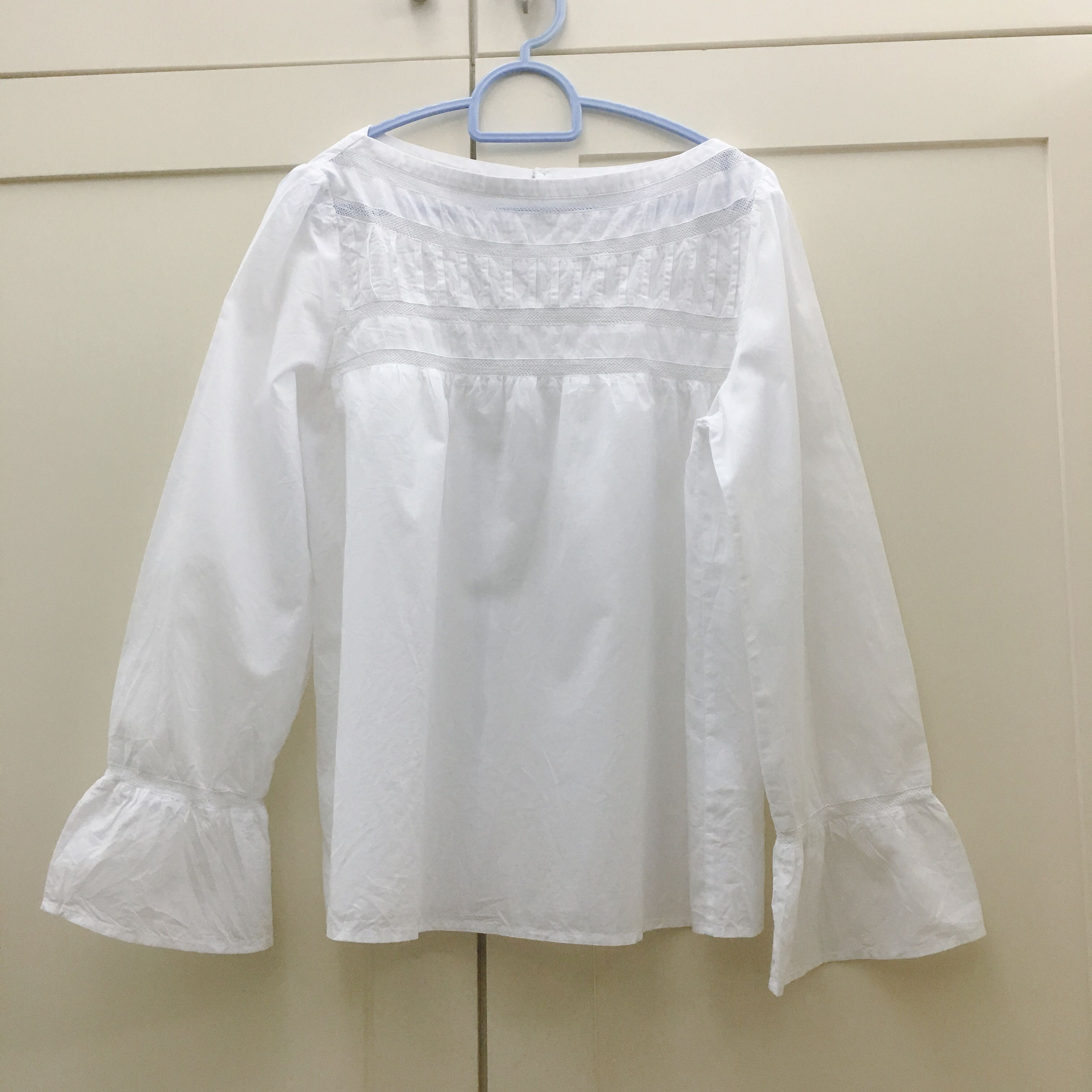 7b788fb8050d83 Lacey white top, Women's Fashion, Clothes, Tops on Carousell