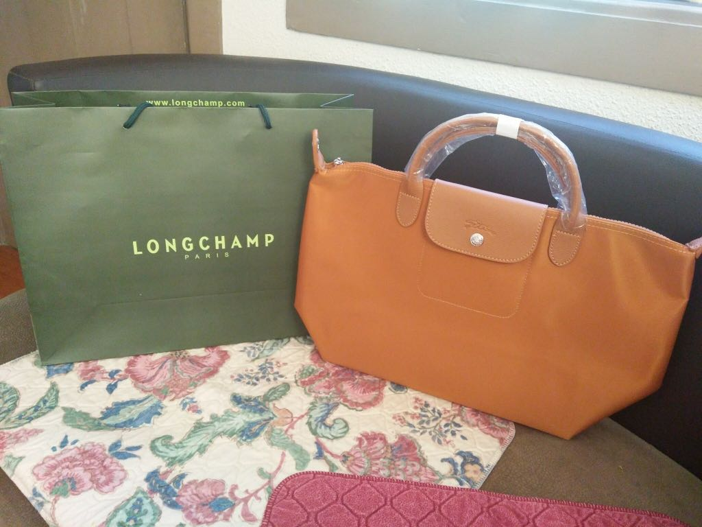 Longchamp bag on Carousell a9cbef3da51c0