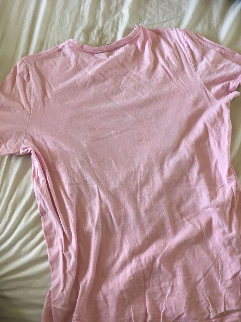 Men's pink tee L