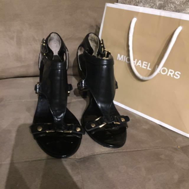 Micheal kors 7 black heels