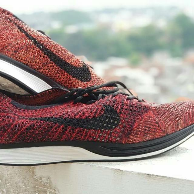 70410bfce850 Nike Flyknit Racer University Red   Black