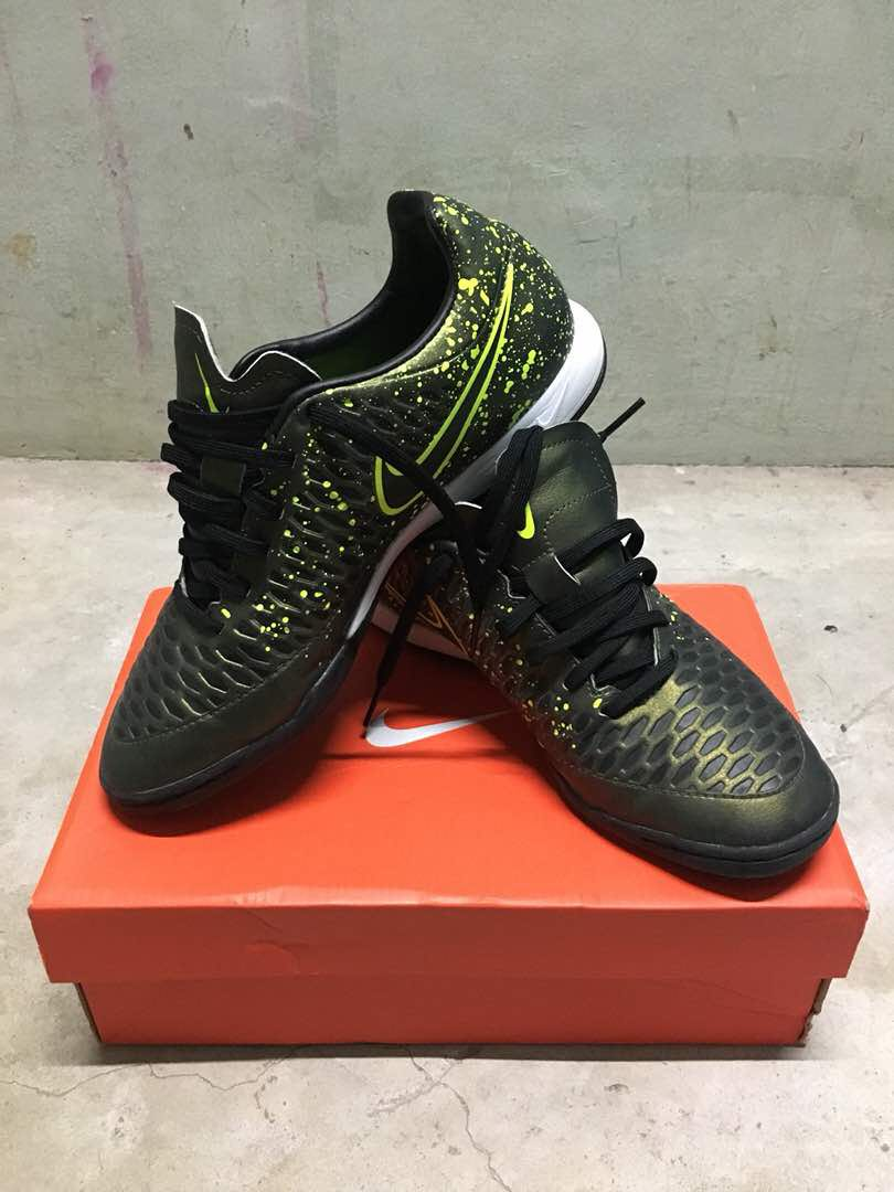 a605e49b509ca Nike Magista Futsal (uk6)
