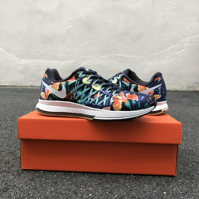 info for 1900c 2b12a Nike Zoom Pegasus 32 Navy Flora, Women s Fashion, Shoes on Carousell