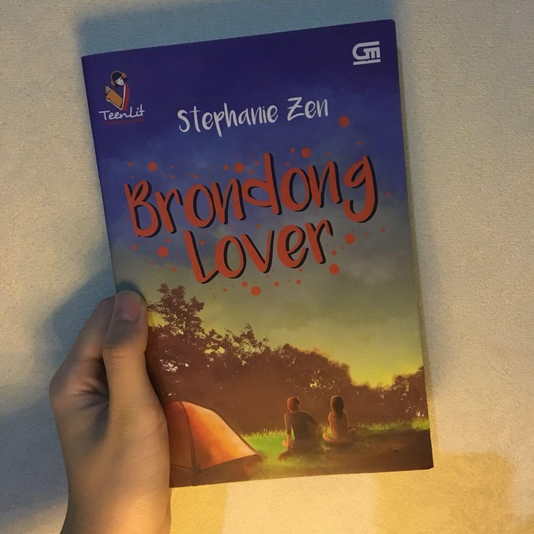 Novel Preloved. Brondong Lover by Stephanie Zen  (Gramedia)