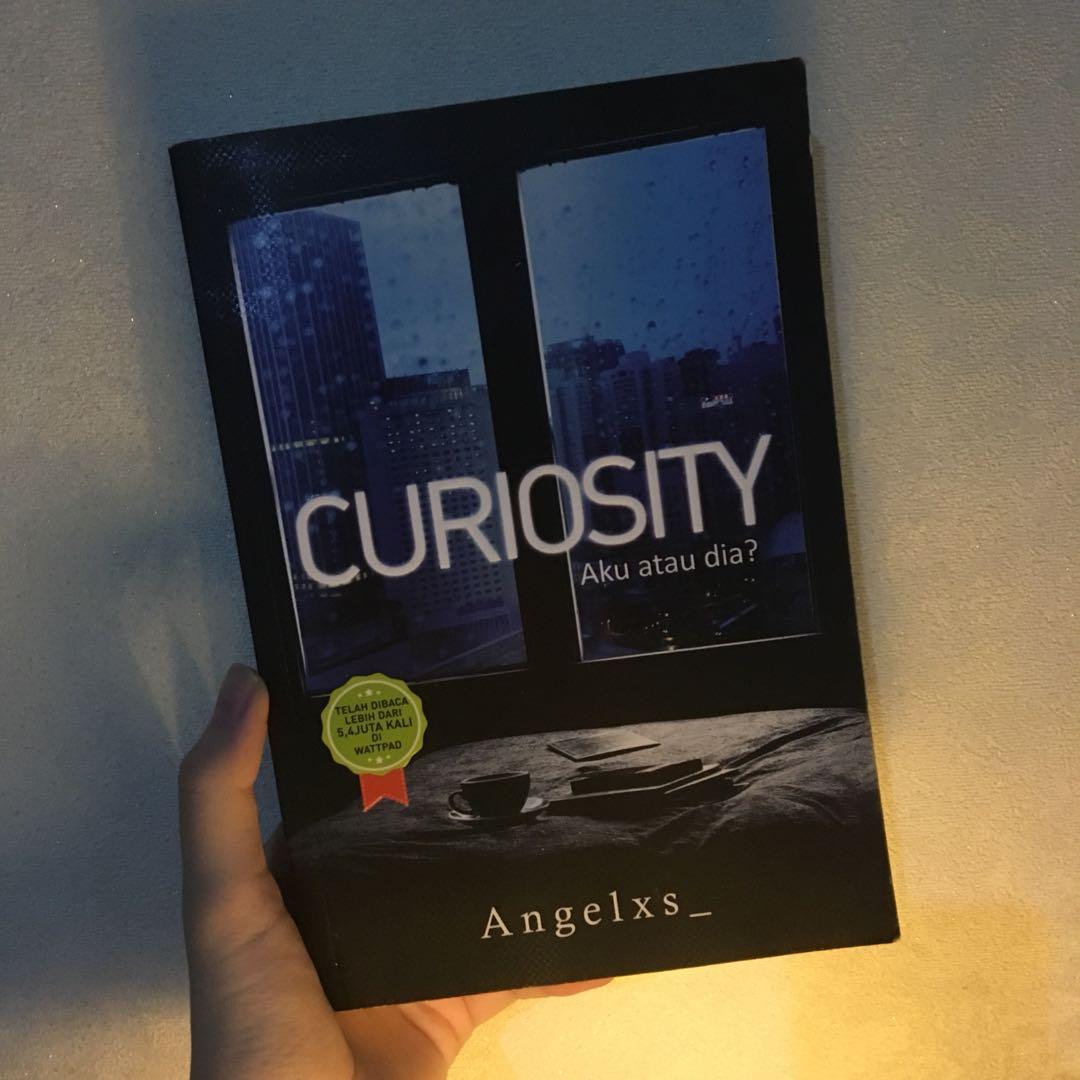 Novel Preloved. Curiosity by Angelxs_ (Gramedia)