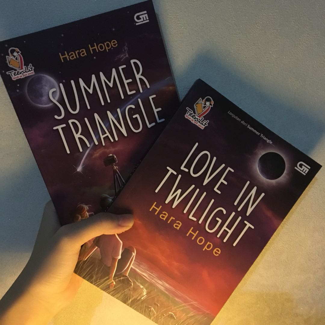 Novel Preloved. Summer Triangle & Love In Twilight by Hara Hope