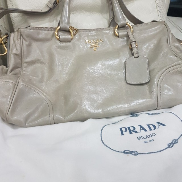 86790dca8a9020 Authentic leather Prada Bag, Women's Fashion, Bags & Wallets on ...