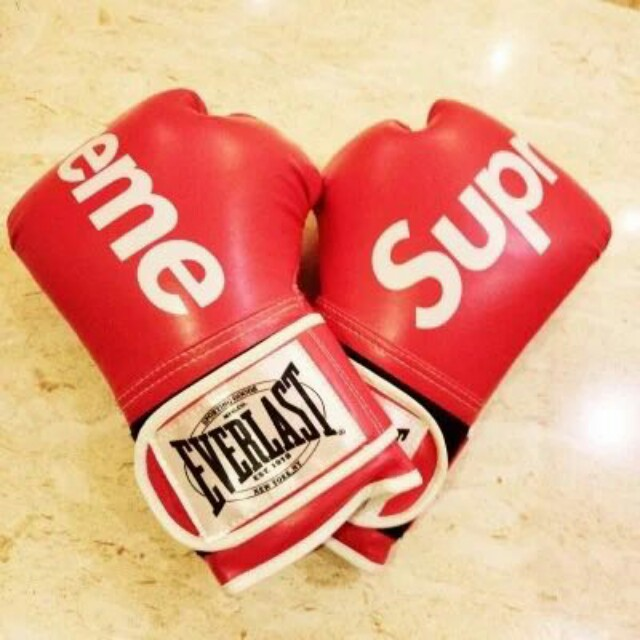 Supreme X Everlast Boxing Gloves 10oz, Sports, Other On Carousell