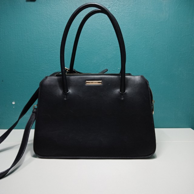ce9f72ea33a2 Vincci Handbag, Women's Fashion, Bags & Wallets on Carousell