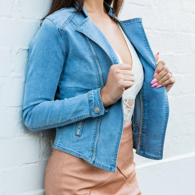 Women's denim jacket with silver zips - sizes 6 & 8 AUS