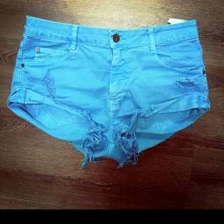 🚚 天藍色短褲