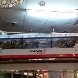 🚚 鐵製電車狀置物盒