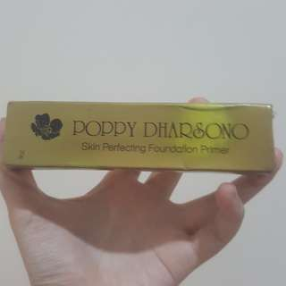 Poppy Dharsono foundation primer