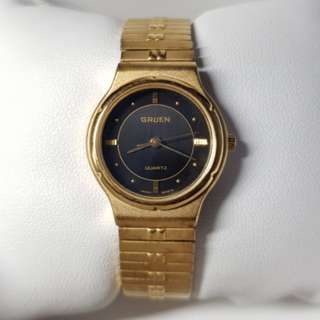 Beautiful vintage Gruen watch for ladies full gold