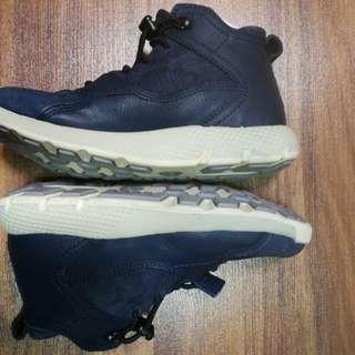 Kids timberland footwear / Chukka Leather