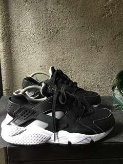 Nike huarache adidas sperry vans reebok puma