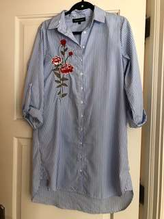 Embroidered dress size US 8