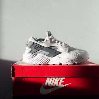 Nike Air Huarache (White/White-Wolf-Grey-Dark-Grey)