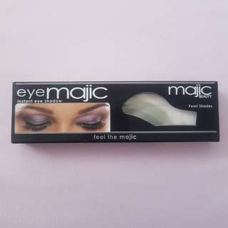 TRENDING Eye Majic One Swipe Eyeshadow