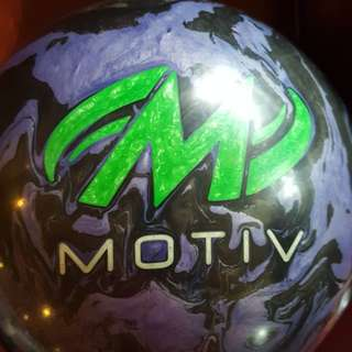 Motiv Raptor attack 1st Drill 14LBS  bowling ball.
