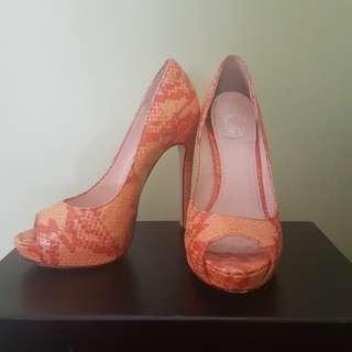 Wittner Size 35 Orange Heel