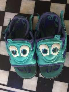 PUMA kids shoes / sandaLs