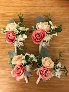 粉色襟花(銀色絲帶柄)4個
