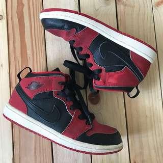 Preloved Jordan 1 shoes