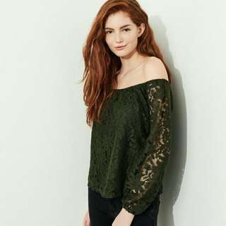 BNWT Hollister Lace Off the shoulder top