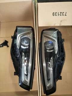 2012 Audi head lamp