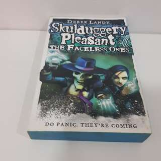 Skulduggery Pleasant : The Faceless One by Derek Landy