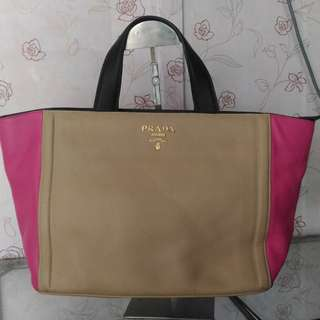 Prada 2 colour