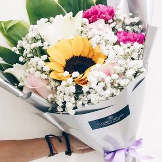 1s Sunflower Rose bouquet